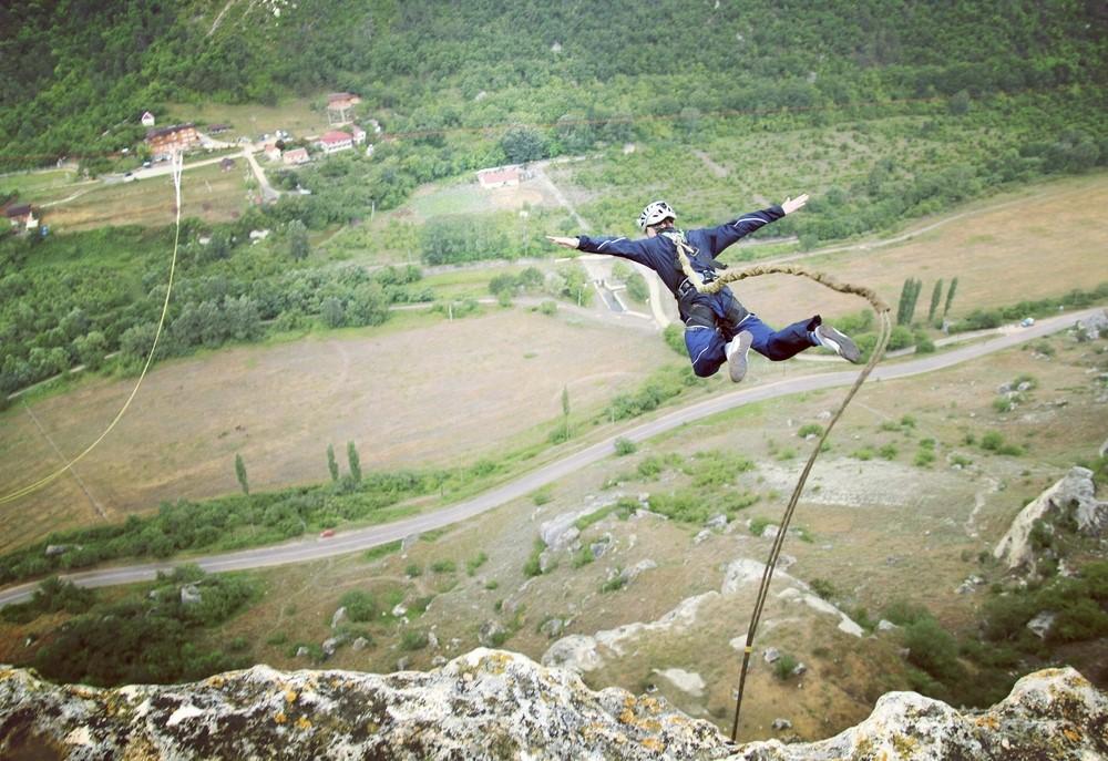 """קפיצות באנג'י מפחידות ומדהימות בחו""""ל  1"""